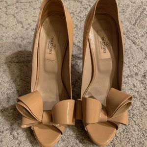 Valentino Floral Couture Beige Bow Peep Toe